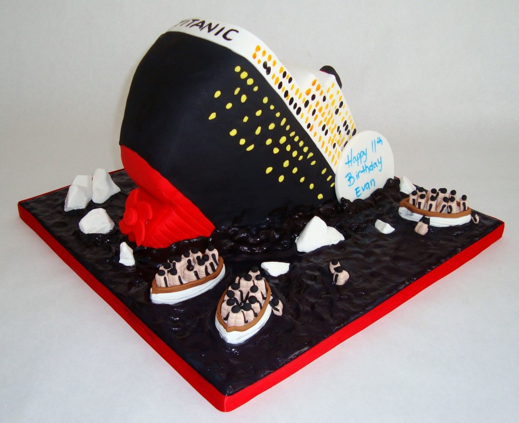 Titanic Cake sideview 1